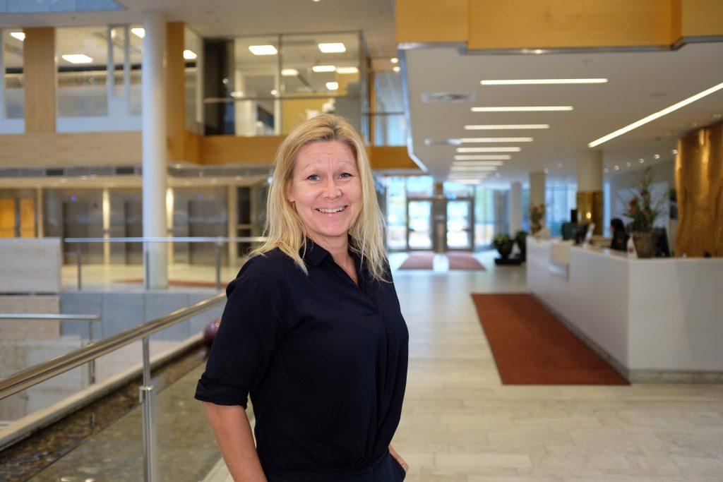 Anna Mia Olofsson, avdelningschef på Arbetsmiljöutbildning och Rehabstöd på Afa Försäkring. Foto: Adam Fredholm.